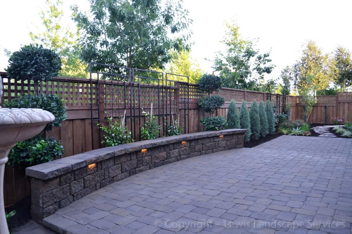 Seat-walls-courtyard-walls-columns-webber-project-summer-2013 003