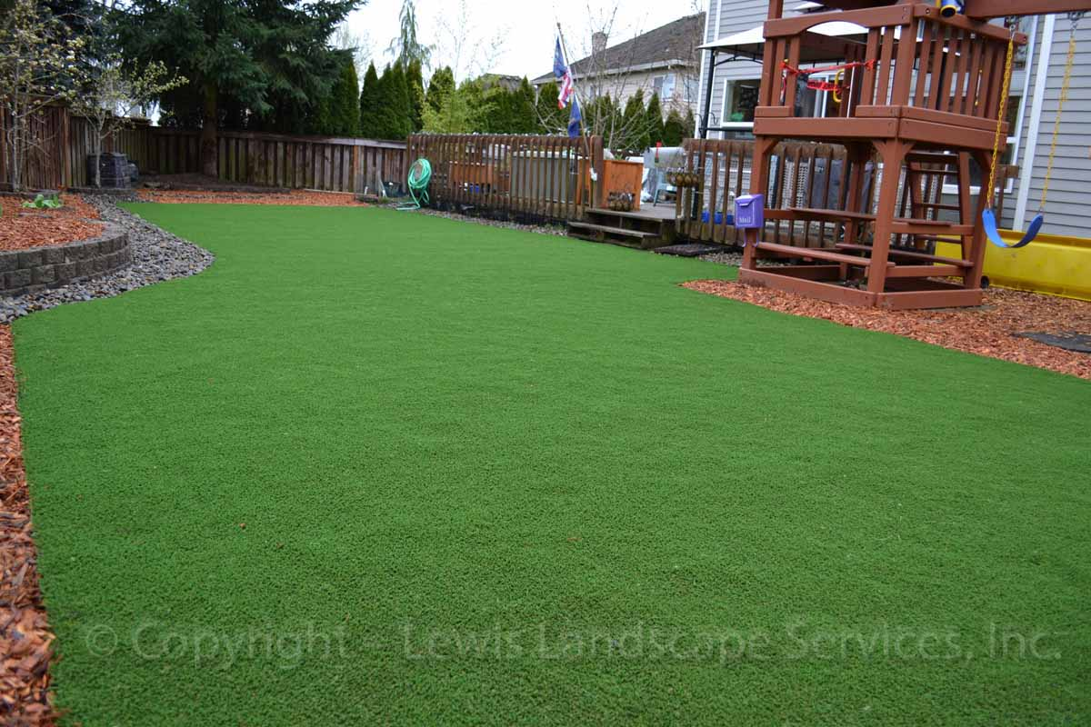 Synthetic-turf-artificial-turf-putting-greens-installations-ditchfield-project 000