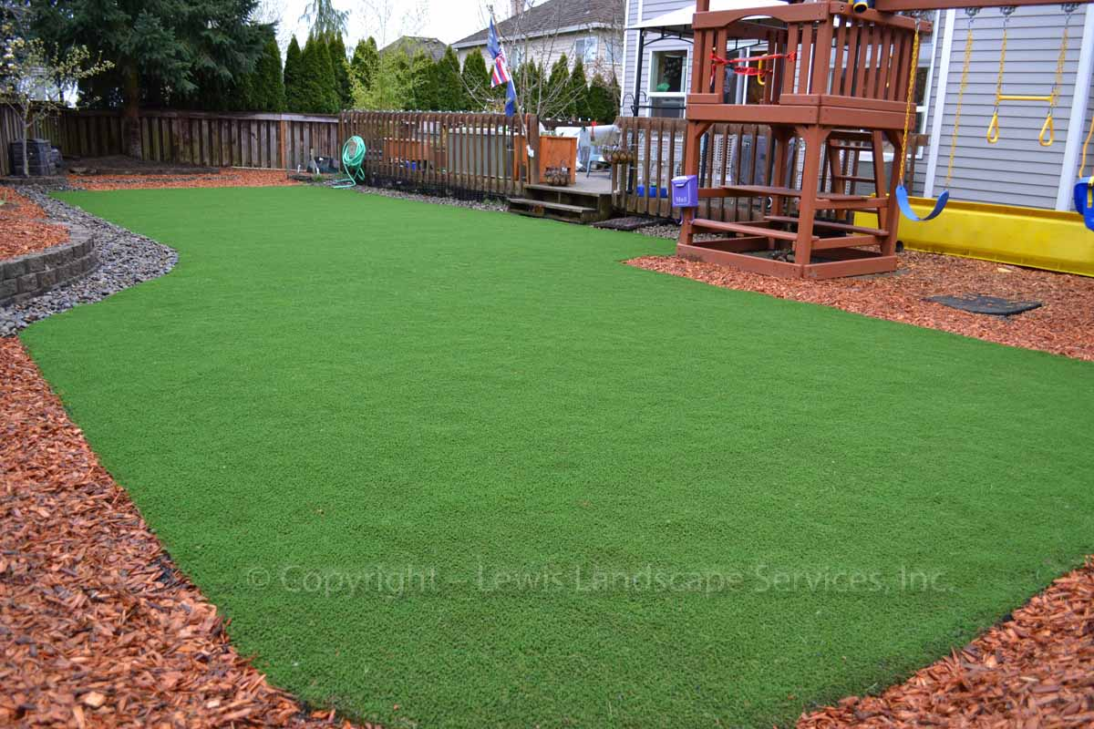 Synthetic-turf-artificial-turf-putting-greens-installations-ditchfield-project 002