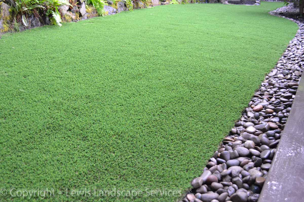 Synthetic-turf-artificial-turf-putting-greens-installations-graham-project 001