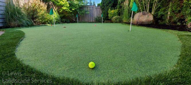 Putting Green in Tualatin Oregon