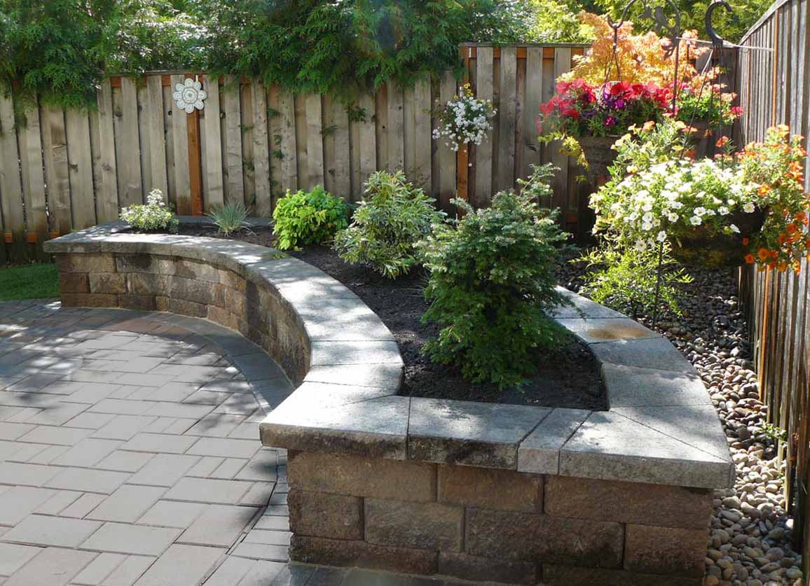 Raised Bed Made with Retaining Wall Block