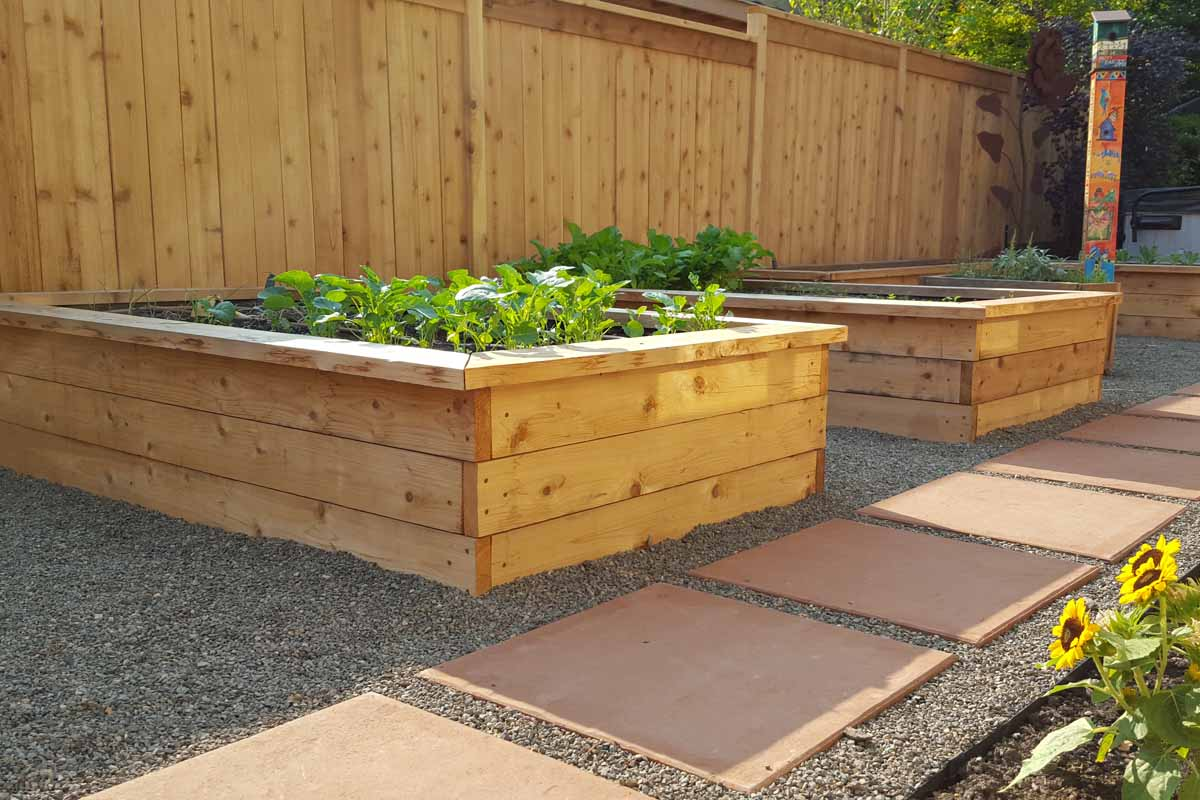 Various Options for Raised Beds / Garden Boxes