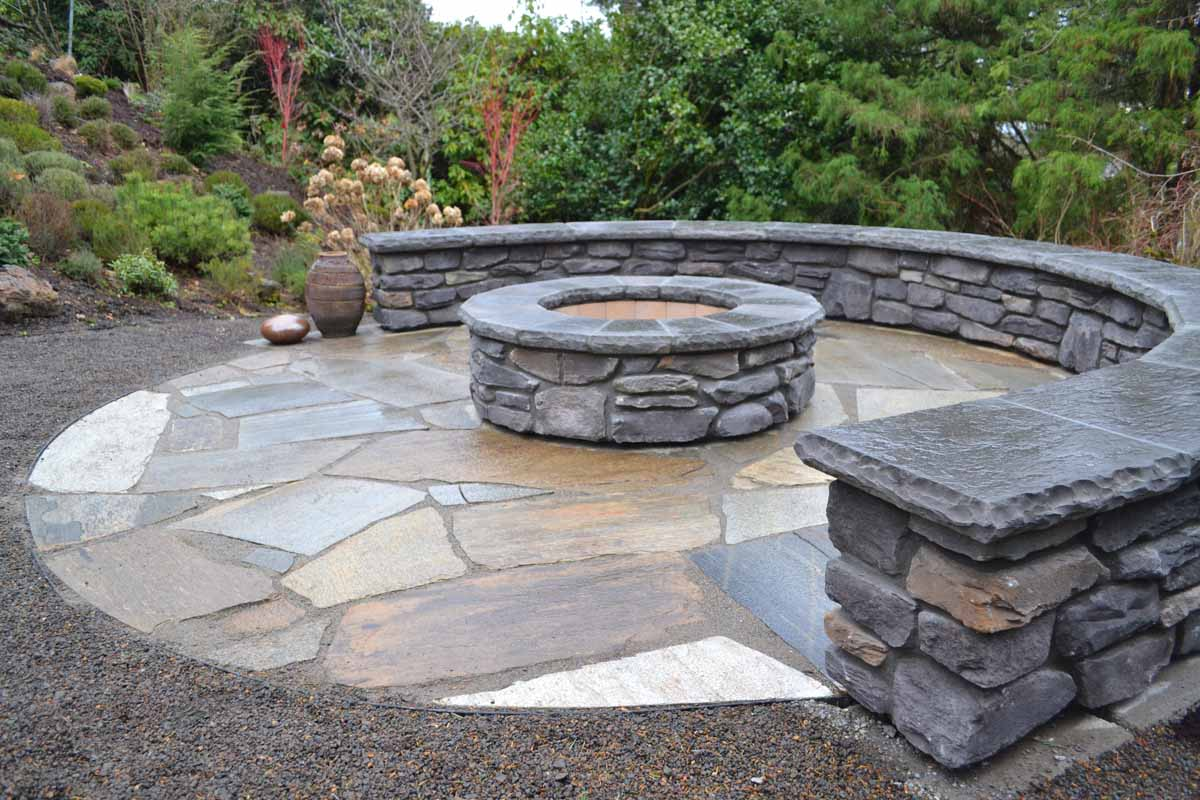 Flagstone Patios & Pathways